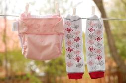 Couche Bumgenius 4.0 couleur Blossom et jambières Babylegs