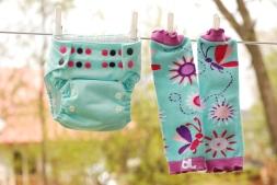 Couche Omaïki Tout-en-Ö aqua avec jambières Babyleggings Butterflies